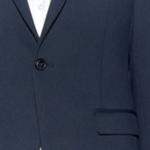 ネイビースーツをオフィスカジュアル(ドレスダウン)するとしたら、あなたならどうしますか?